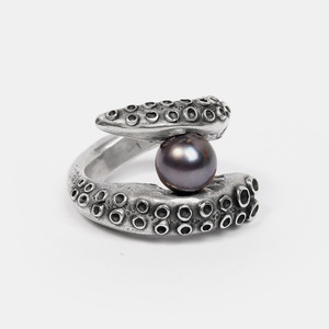 Octopus black Pearl Ring