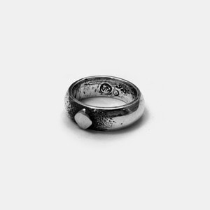 Trump Series Bold Ring Silver Diamond