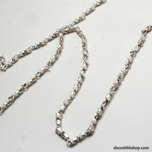 Silver Twisted MID Chain