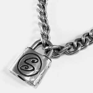 572 Chain Necklace with S Logo Padlock Pendant